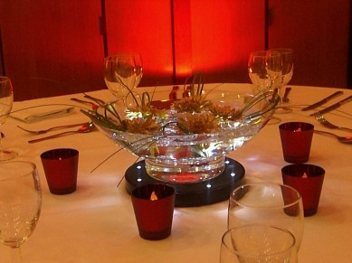 Table Centre: Floating Bowls