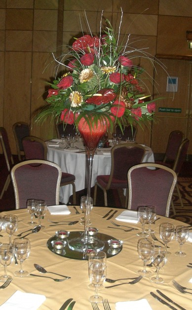 Table Centre: Christmas Flowers
