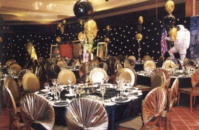 Bond glitzy table settings