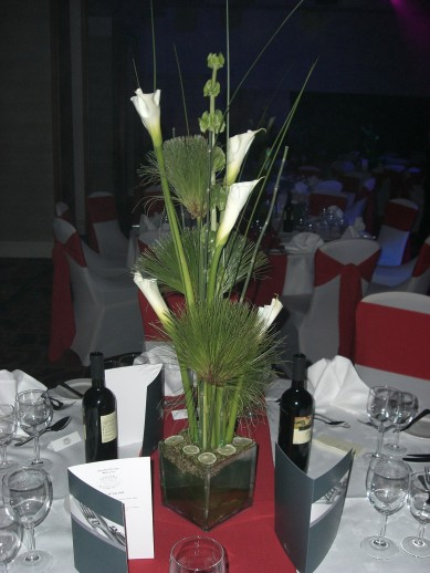 Table Centre: Calla Lily Perspex Vase