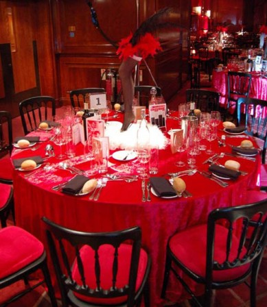 Table Centre: Moulin Rouge